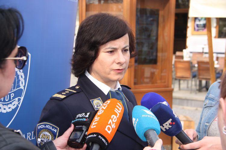 policajci na mreži za upoznavanje koji je saveznik